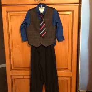 3t Boys 4 piece suit.